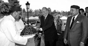 Mohammed VI recibe a Juan Carlos I en Rabat (julio 2013) / EFE