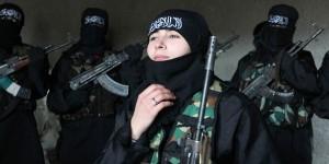 Mujeres que combaten en Siria. Foto de 5pillarz.com