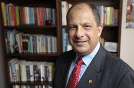 Luis Guillermo Solís, de PAC.