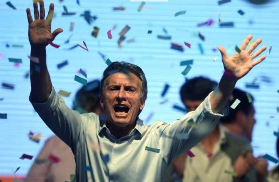 """Mauricio Macri festeja el triunfo en el búnker de """"Cambiemos"""". Foto: EFE - 20 Minutos"""