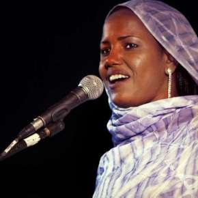 La cantante saharaui Aziza Brahim / EP