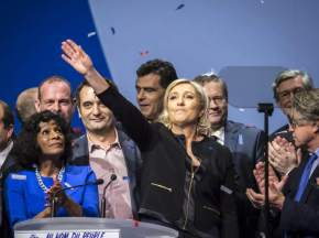 Le Pen, contraria a la prohibición del aborto, ha hecho una campaña en la que la apuesta por las políticas de igualdad ha brillado por su ausencia / EFE